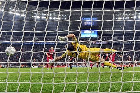 Những khoảnh khắc ấn tượng lượt trận Champions League đêm qua - 11