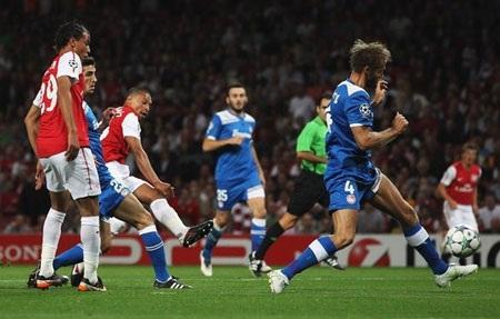 Những khoảnh khắc ấn tượng lượt trận Champions League đêm qua - 1