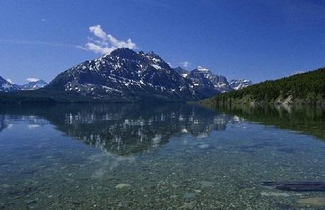Khung cảnh vùng Hồ vẫn giữ nguyên nét hoang sơ