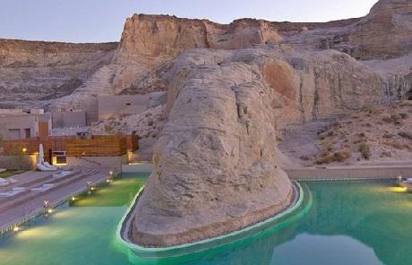 Đẹp mê hoặc resort sang trọng giữa lòng sa mạc