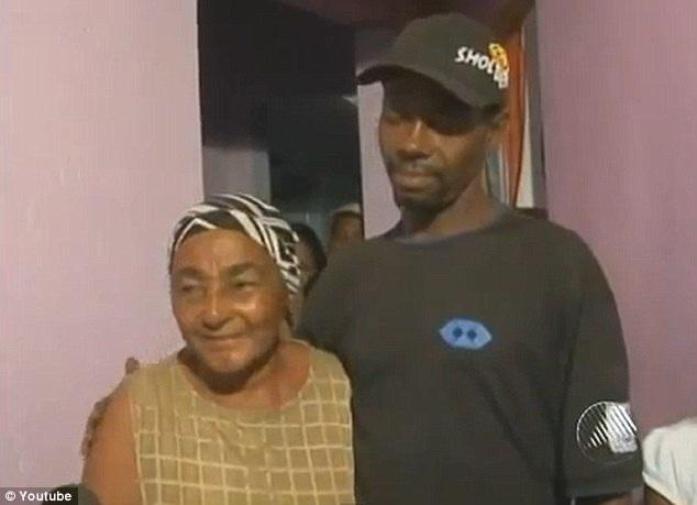 Anh Gilberto Araujo và mẹ