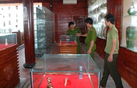 Khu trưng bày đồ cổ của resort Thiên Đàng