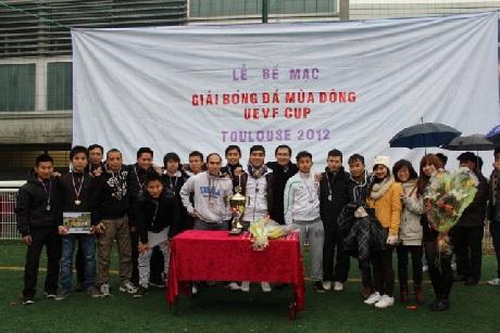 Đội Gió Lào giành giải Nhì