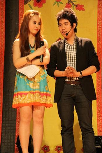 Hai MC trẻ của chương trình Tuấn Hoàng – Lê Vân với lối dẫn linh hoạt, thu hút.