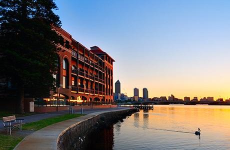 Thành phố Perth sôi động nằm ven sông Swan thanh bình