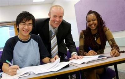 Năm 2012, INTO đã hợp tác với St Geogre's