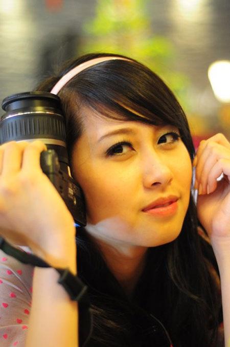 Phương Anh mang vẻ đẹp sắc sảo, ấn tượng