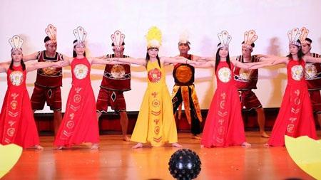 Các tiết mục văn nghệ đậmnét truyền thống Việt Nam