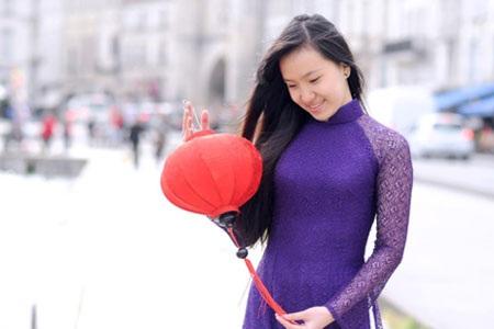 Tựa đề : Dịu dàng con gái Huế