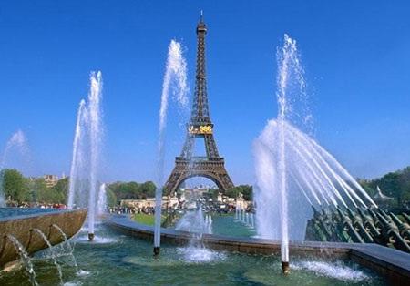Tháp Eiffel biểu tượng của nước Pháp