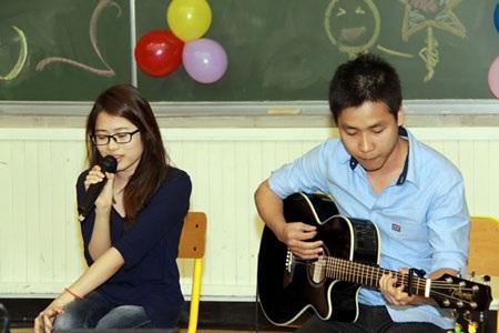 2 bạn Quỳnh Giao, Văn Đức với ca khúc Zombie