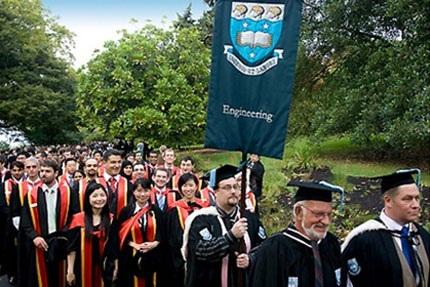 Sinh viên tốt nghiệp đều tìm được một công việc tốt và thành công trong lĩnh vực của mình