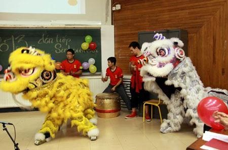 Đội múa lân Hong Teck Lyon