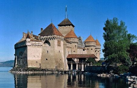 Khám phá thành phố xinh đẹp Montreux - Thụy Sĩ