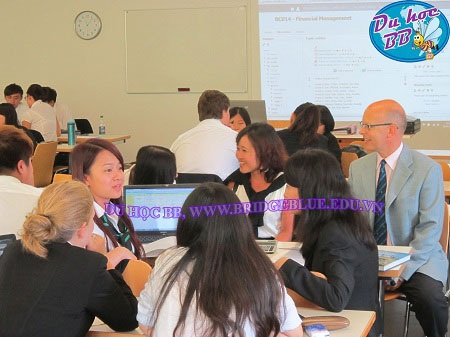 Đại diện Du học BB thăm sinh viên của công ty và làm việc tại trường IMI