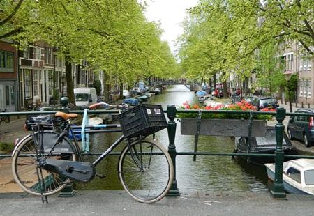 """Đi """"tham quan học hỏi"""" ở Amsterdam"""