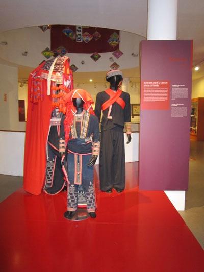 Khung cảnh bên ngoài của Bảo tàng Phụ nữ Việt