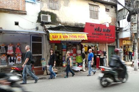 """Những địa điểm du lịch """"quyến rũ"""" khách nước ngoài ở Hà Nội"""