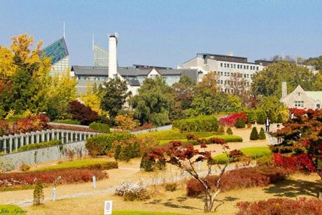 Sắc thu ở trường nữ nổi tiếng Ehwa Woman University, Seoul