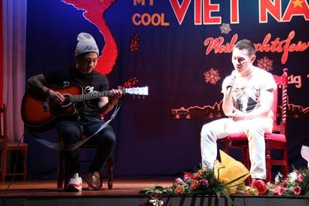 Những chàng trai gốc Việt đang phiêu với ca khúc accoustic tiếng Anh