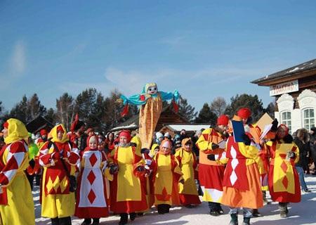 DHS Việt tại Nga náo nức mùa Maslenisha