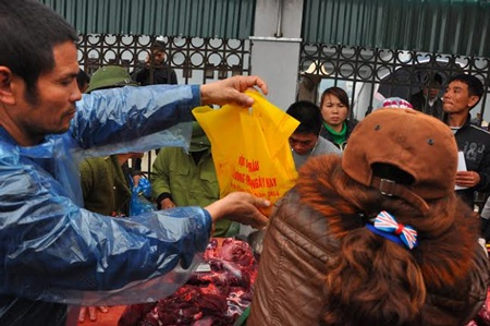 Thịt trâu chọi thua chỉ được bán với giá từ 800.0000 đồng đến hơn 1 triệu đồng/kg…
