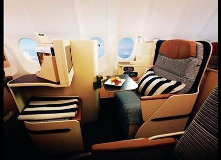 4. Chuyến bay EMIRATES 211/212: Dubai-Houston