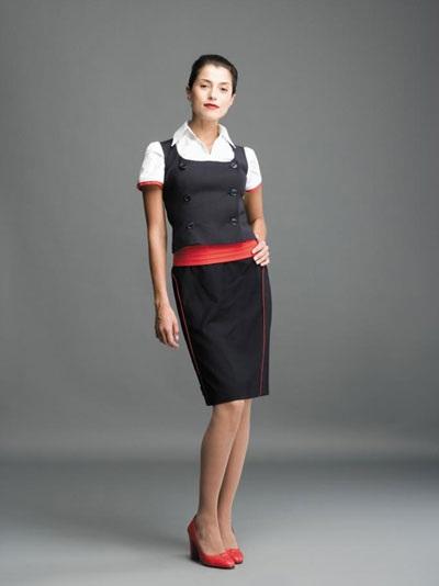 Trang phụcgọn gàngcủa nữ tiếp viên hàng không hãng TAP Portugal (Bồ Đào Nha)