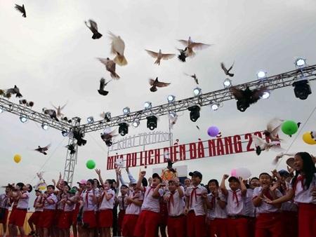 Lễ khai mạc chương trình Mùa du lịch biển Đà Nẵng năm 2014. (Ảnh: Trần Lê Lâm/TTXVN)