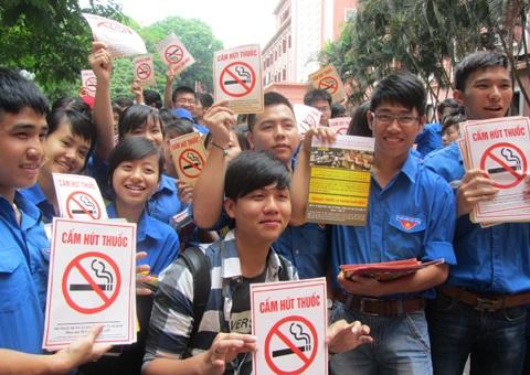 Thanh niên tuyên truyền phòng chống tác hại của thuốc lá