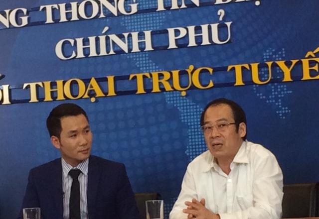 PGS.TS Trần Đắc Phu (áo trắng) trả lời tại buổi tọa đàm. Ảnh: H.Hải