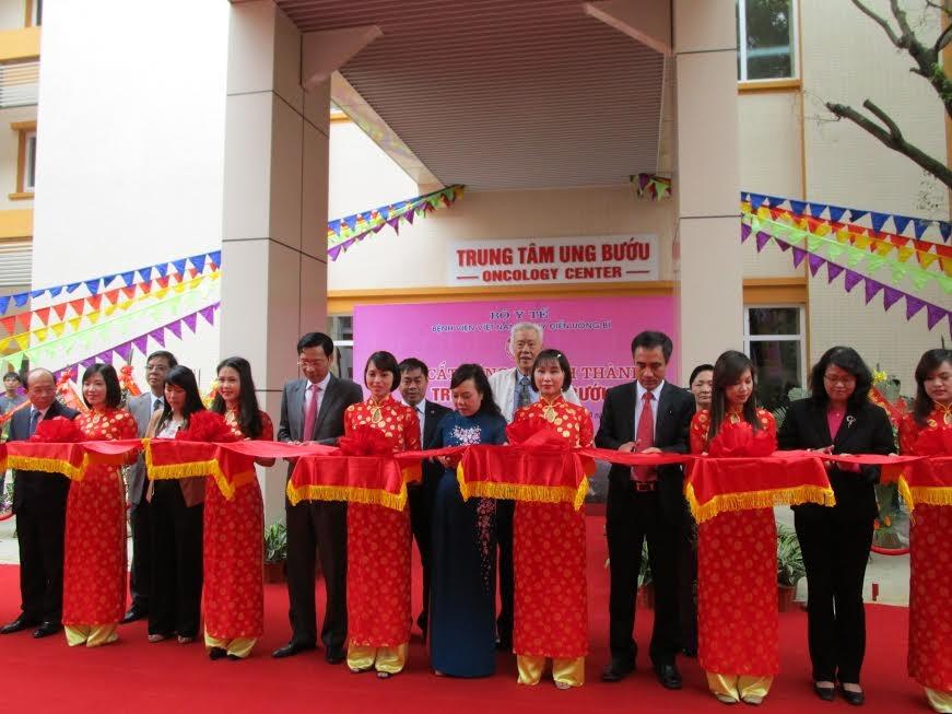 Khánh thành Trung tâm Ung bướu hiện đại nhất khu vực Đông Bắc