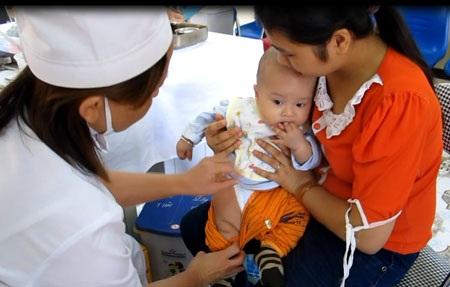 Vắc xin do Việt Nam sản xuất vừa cung ứng trong nước, vừa dành cho xuất khẩu.