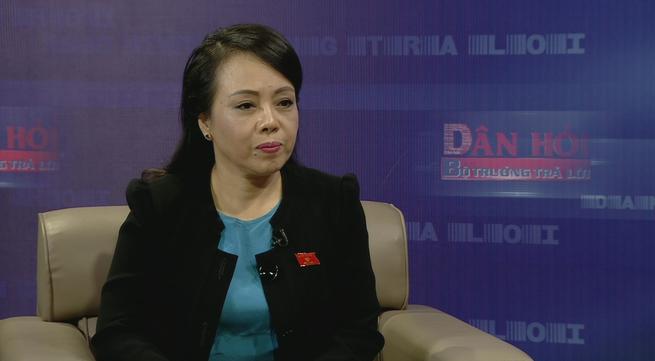Bộ trưởng Bộ Y tế Nguyễn Thị Kim Tiến tại buổi tọa đàm Dân hỏi - Bộ trưởng trả lời