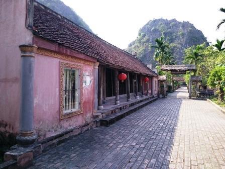 Làng Việt cổ - Cố Viên Lầu ở Hoa Lư, tỉnh Ninh Bình