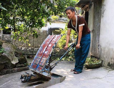 Chiếc máy cấy không động cơ made Nguyễn Xuân Cường có tính ưu Việt rất cao