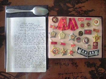 Những kỷ vật không thể nào quên của người chiến sỹ đầu bạc