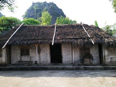 Căn nhà gia đình chị Dậu trong tác phẩm Tắt Đèn của nhà văn Ngô Tất Tố