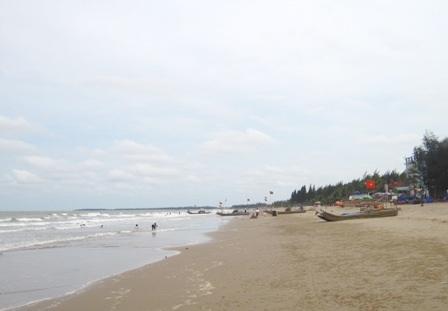 Biển Hải Tiến nơi em Thành bị sóng biển cuốn trôi.