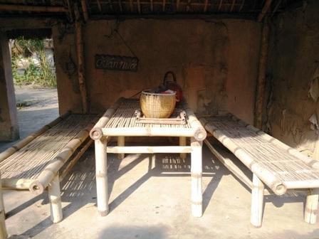 Đến thăm làng Việt cổ là trải nghiệm thú vị đối với du khách trong và ngoài nước