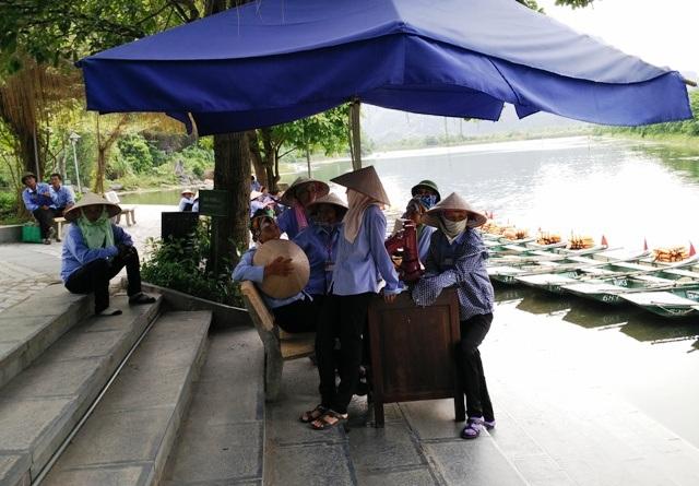 Bến thuyền Tràng An nơi có hơn 1.000 phụ nữ làm nghề chèo đò chở khách du lịch
