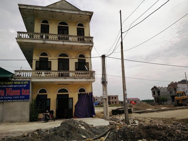 Ninh Bình: Nhiều hộ dân vừa sống vừa nơm nớp lo nhà sập