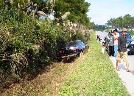 Chiếc ô tô vừa mua đã gặp tai nạn, hư hỏng nặng