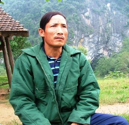 Bên dòng sông Son, anh Thiên đã vớt được nhiều xác chết