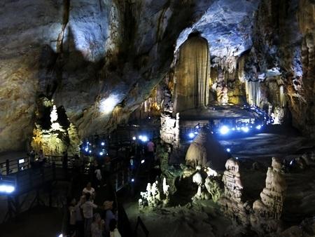 Điều chỉnh tăng giá vé tham quan hang động