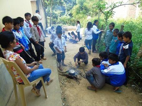 Đồng bào dân tộc hiến đất làm nhà ăn bán trú cho học sinh