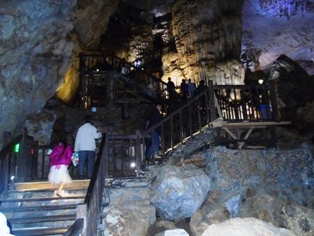 Động Thiên Đường, một trong những điểm thu hút du khách tham quan trong dịp Tết Nguyên Đán