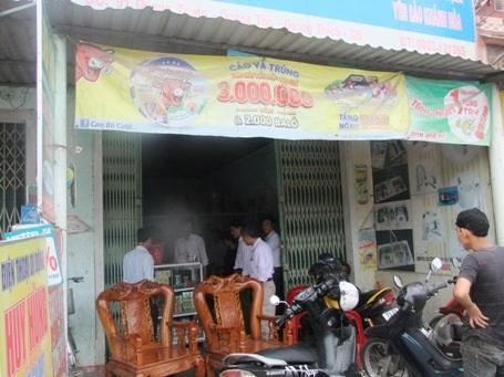 Lực lượng công an đột nhập nhà riêng của đối tượng Nguyễn Văn Hóa