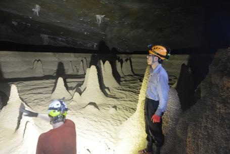 Quảng Bình: Sắp khai trương tuyến du lịch Hang Va – hang Nước Nứt
