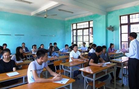 Môn thi đầu tiên (môn Toán), trên địa bàn tỉnh Quảng Bình có 15 thí sinh bỏ thi. (Ảnh: Văn Lịnh)